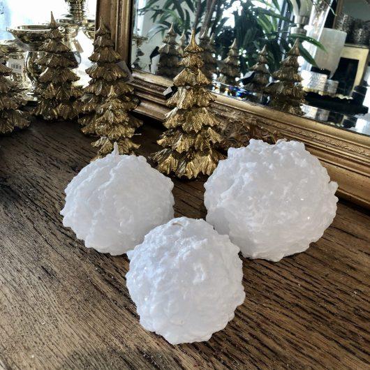 Stearinlys: Snøball – hvit med glitter